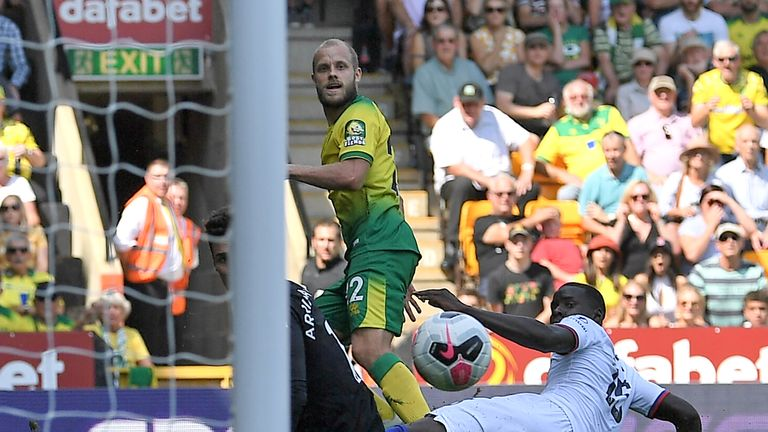 Pukki nets against Chelsea for Norwich
