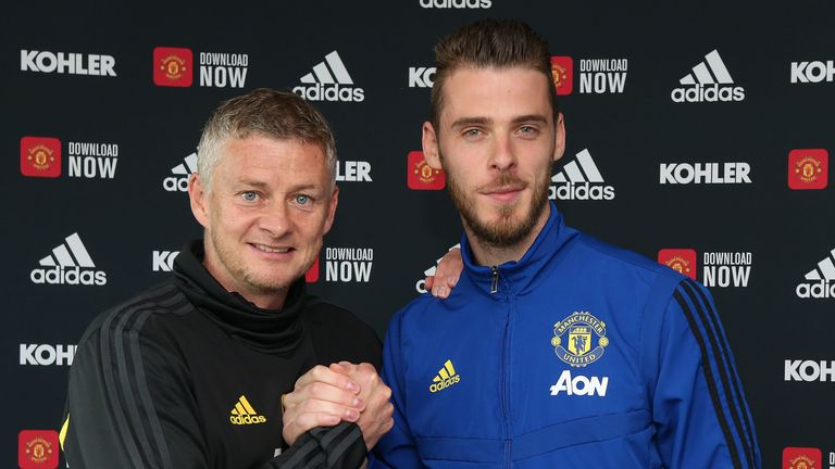 David De Gea signs new Manchester United contract