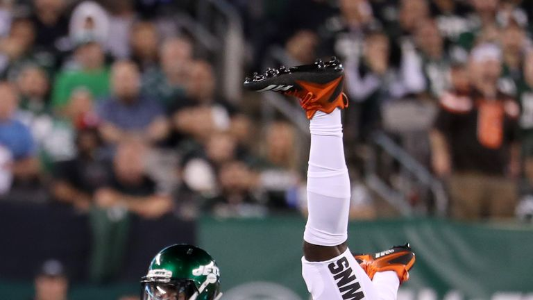 David Njoku getting second opinion on wrist injury as Cleveland Browns suffer injury bug
