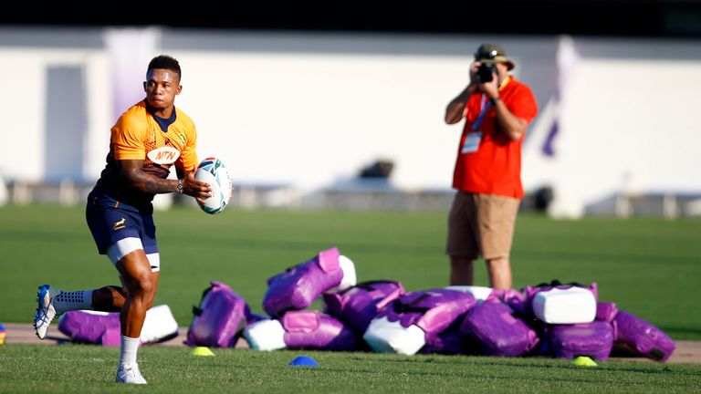 Elton Jantjies comes in for Handre Pollard at No 10