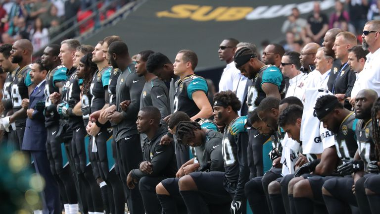 Jaguars players knelt and linked arms with owner Shahid Khan when they played at Wembley in 2017