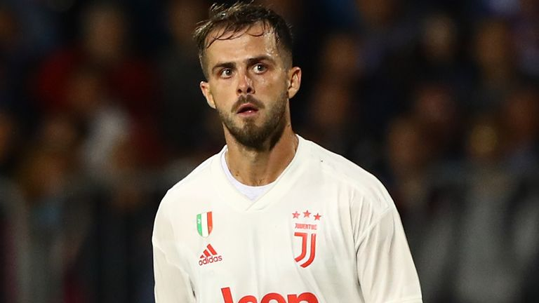 """Brescia fans reportedly chanted """"zingaro"""" or """"gypsy"""" at Miralem Pjanic"""