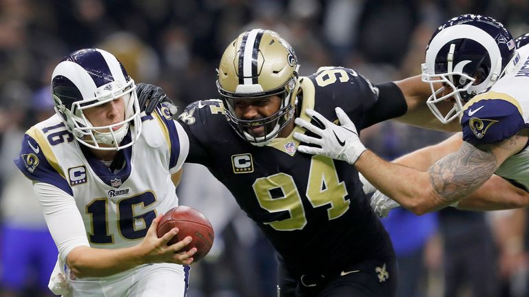 Drew Brees has thumb injury, could need surgery