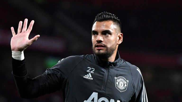 Red Devils keeper Sergio Romero unhurt after auto crash