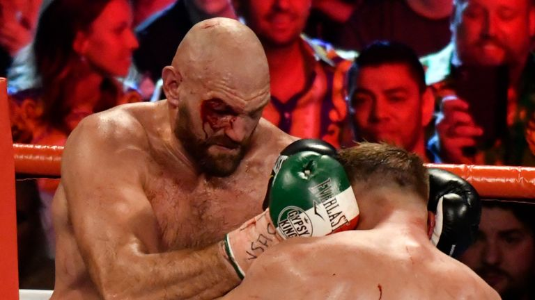 Fury beat Wallin by unanimous decision