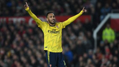 fifa live scores - Man Utd 1-1 Arsenal: Did the referee blow his whistle before equaliser?