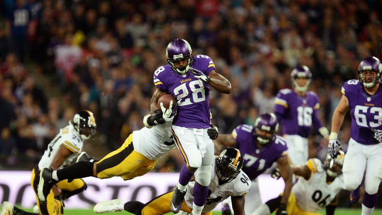 Adrian Peterson broke free from the Pittsburgh defense for a 60-yard touchdown run