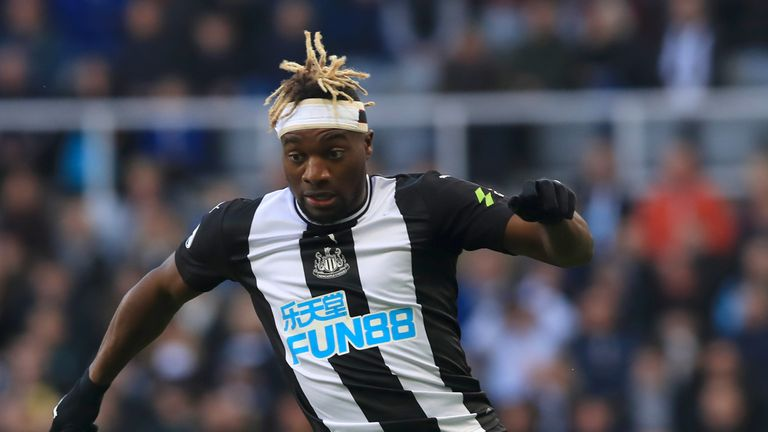 Allan Saint-Maximin is expected to return in mid-January