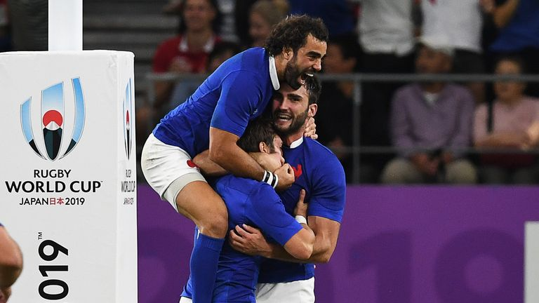 France began the contest in Oita in scintillating form