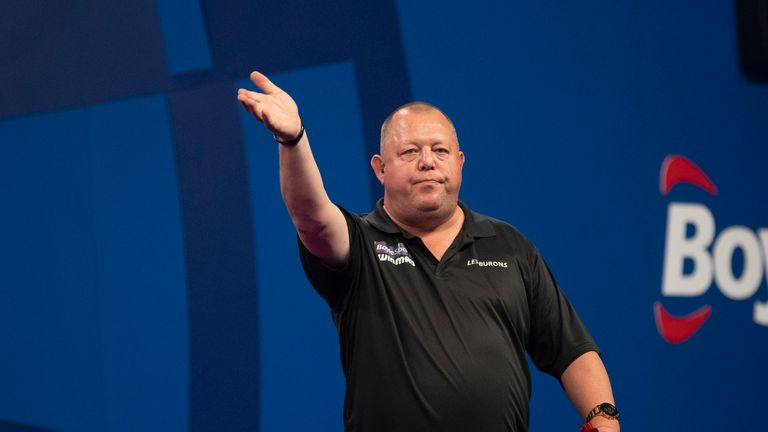 Mervyn King stunned eighth seed James Wade to reached the World Grand Prix quarter-finals
