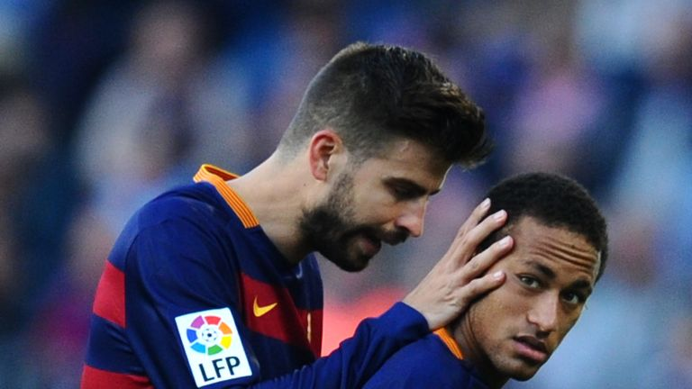 Gerard Pique says Barcelona players were willing to receive delayed payments to re-sign Neymar