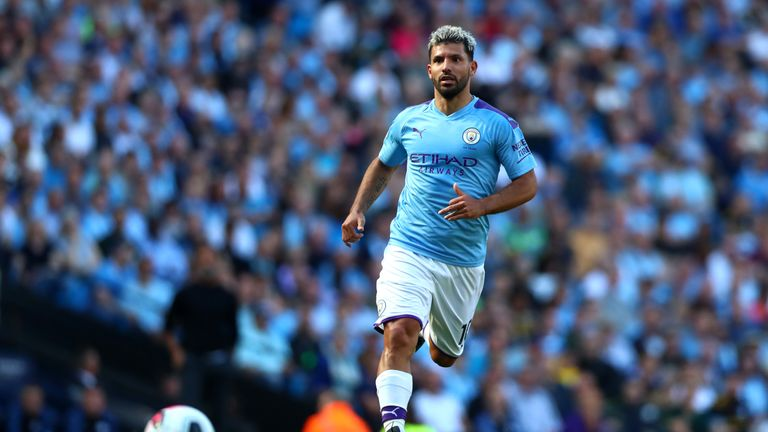 Manchester City's Aguero unhurt after auto  crash
