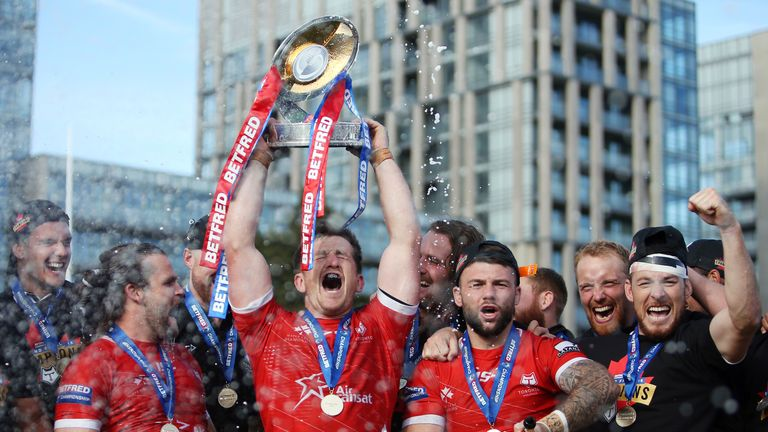 Toronto defeated Featherstone 24-6 to win promotion to Super League