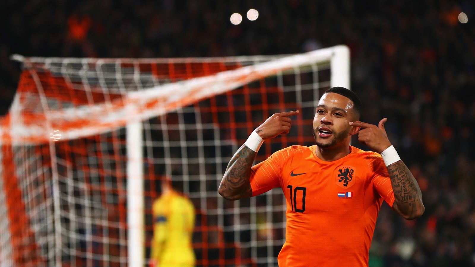 Memphis Depay was too young at Manchester United says Ronald Koeman |  Football News | Sky Sports