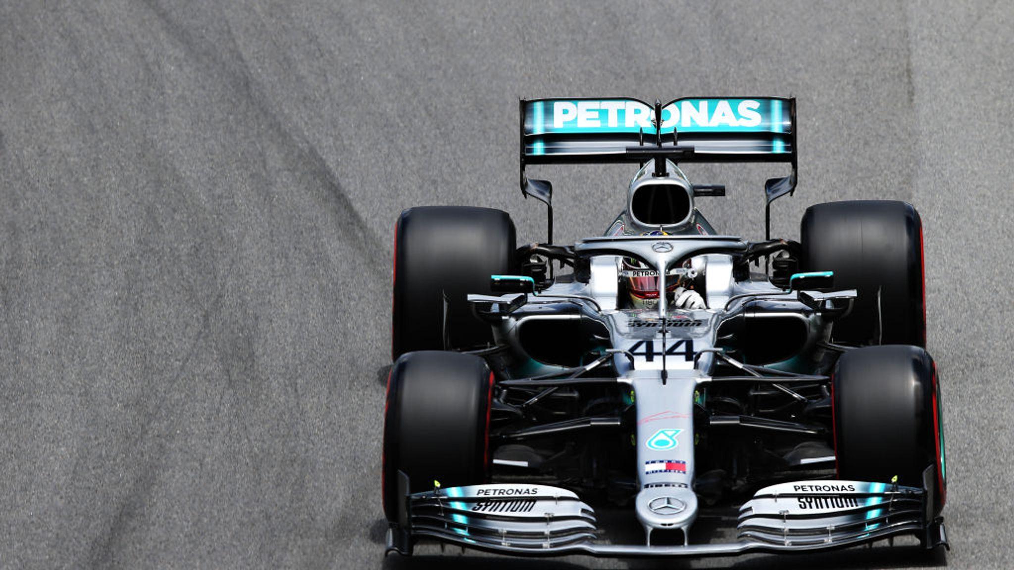 Brazilian GP Practice Three: Lewis Hamilton leads Max Verstappen