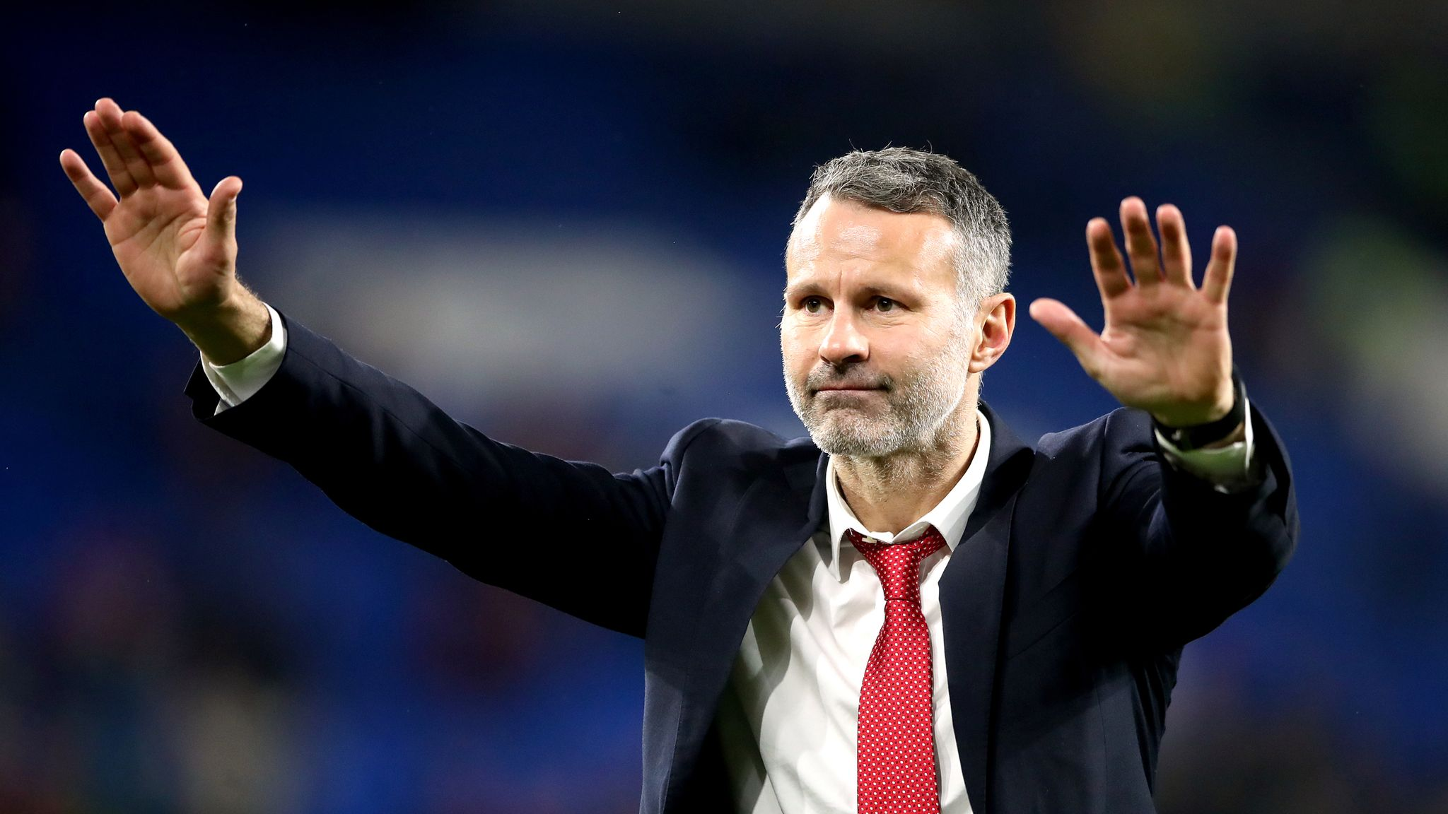 Sir Alex Ferguson says Ryan Giggs is doing a 'great job' as Wales manager