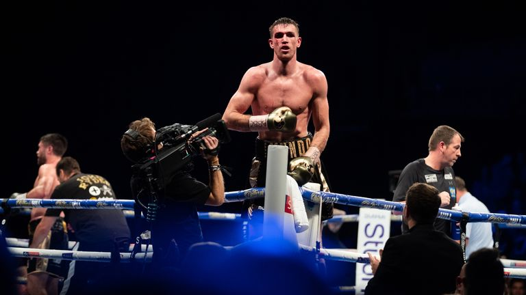 Smith holds WBA gold