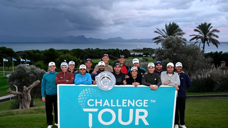 The 15 graduates after the Challenge Tour Grand Final