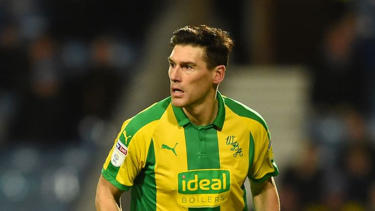 Gareth Barry has signed a deal that will keep him at West Brom until the end of the season
