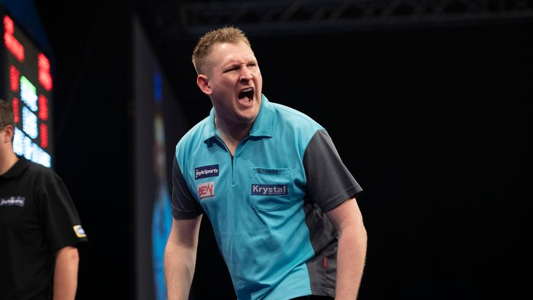 Harrington will face Dave Chisnall for a place in the last eight