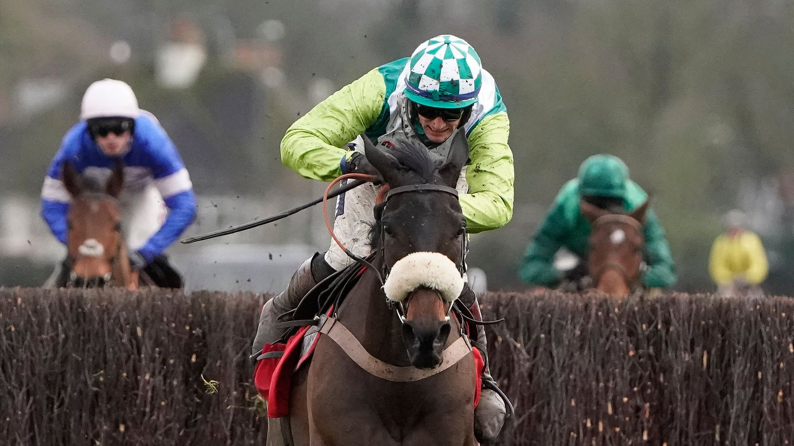 Paul Nicholls backs Clan Des Obeaux ahead of Gold Cup