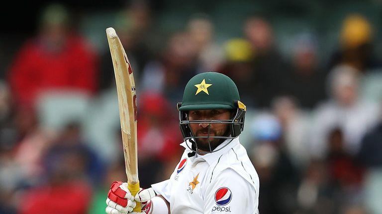 El siglo de la prueba inaugural de Yasir Shah en Adelaida fue uno de los pocos puntos destacados para Pakistán en su reciente serie contra Australia