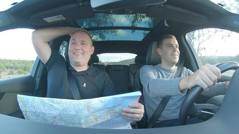Tubes and Smithy had to use their navigation skills on a road trip from Faro to Braga, planned by Hankook Tyre