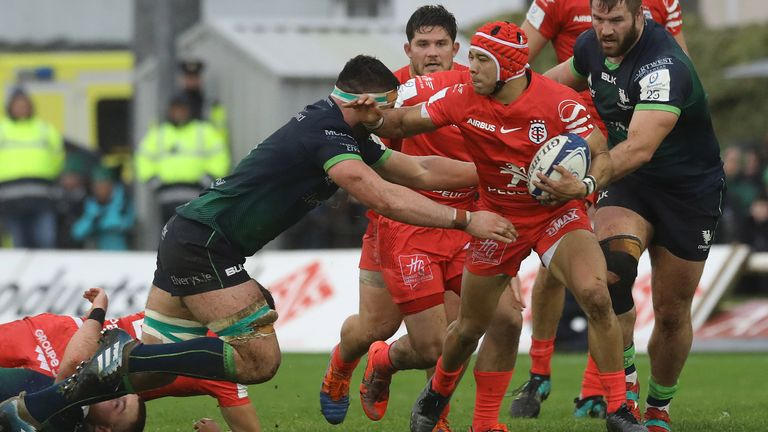 Cheslin Kolbe looks to get something started for Toulouse
