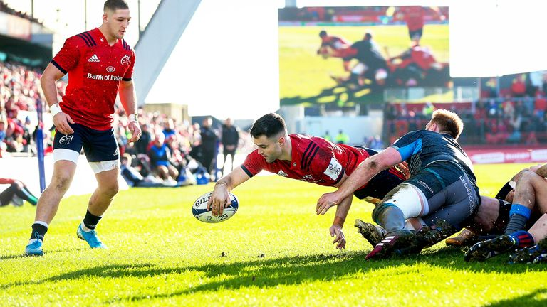 Conor Murray scores a try for Munster