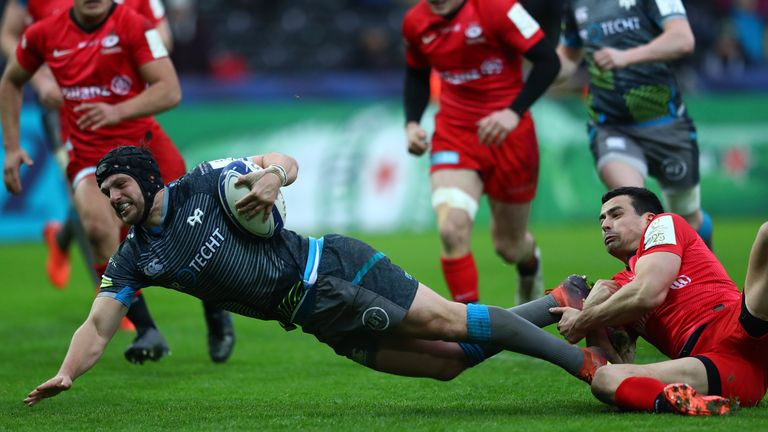 Dan Evans scores for the Ospreys