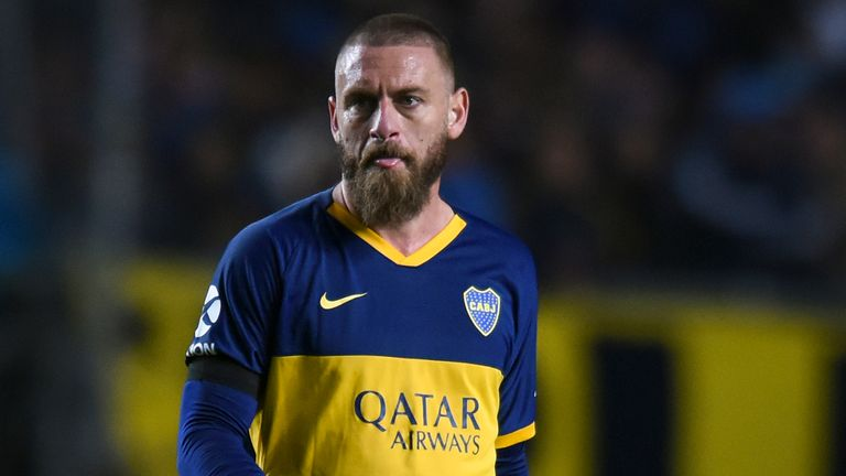 De Rossi retires from football