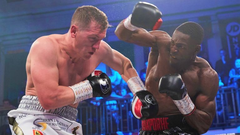 The Londoner defeated Jack Massey despite a badly damaged hand