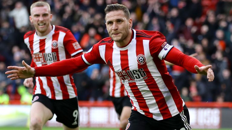 Capitán Billy Sharp igualado para las cuchillas