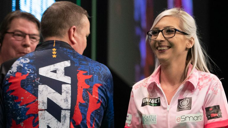 Fallon Sherrock was held to an entertaining draw by Glen Durrant