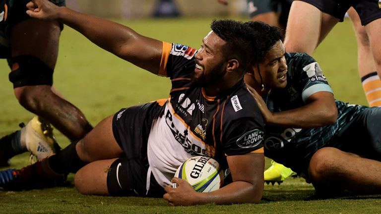 Folau Fainga'a scored a hat-trick for the Brumbies, but it was not enough to secure victory