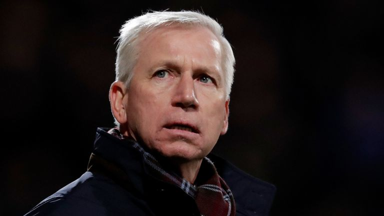 Alan Pardew confronted by ADO fans Den Haag amid poorly