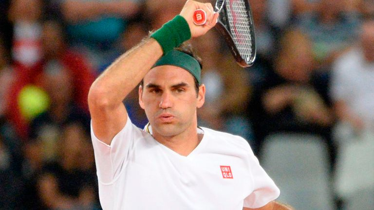 Roger Federer has called for a merger between the ATP and WTA