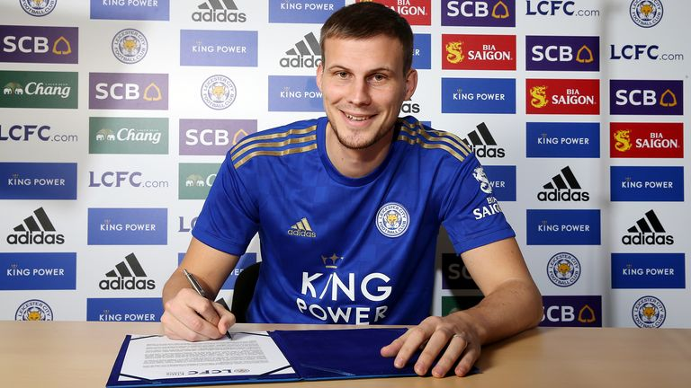 Ryan Bennett completed his loan move to Leicester an hour before the transfer deadline
