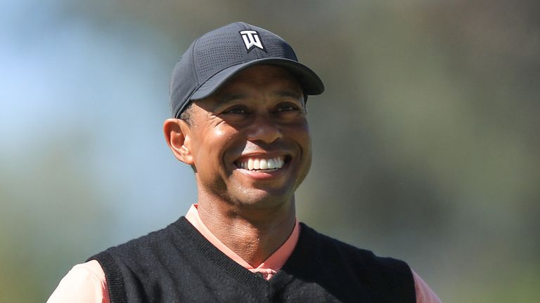 Tiger Woods eagled the first but faltered on the back nine