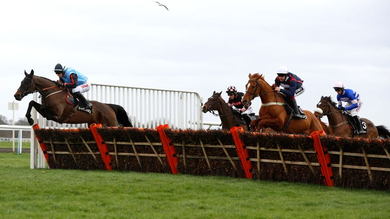 Song For Someone (white cap) begins his late Kingwell challenge