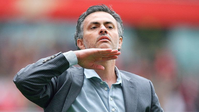 Mourinho urges Chelsea fans to keep their chins up after missing out on the Premier League title in 2007