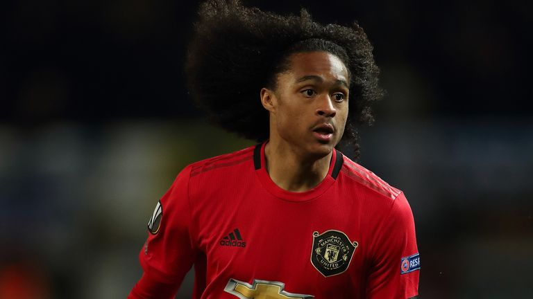 Tahith Chong signs new Manchester United contract