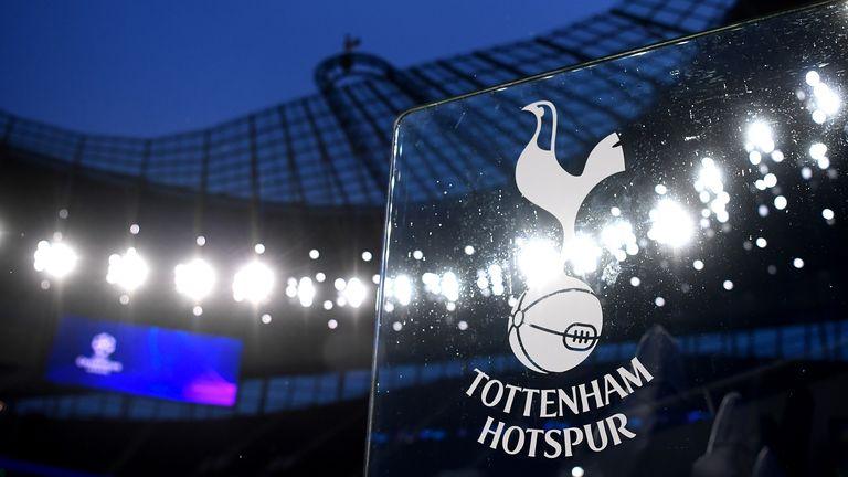 El club ha seguido al Manchester United y al Everton, quienes anunciaron movimientos similares este mes.
