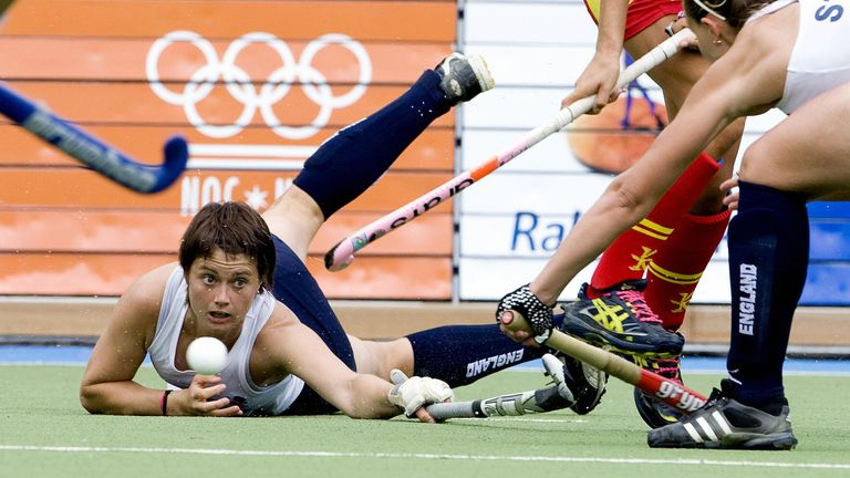Walton played international hockey for over a decade and was also part of the England team that won bronze in 2010 at both the World Cup and Commonwealth Games