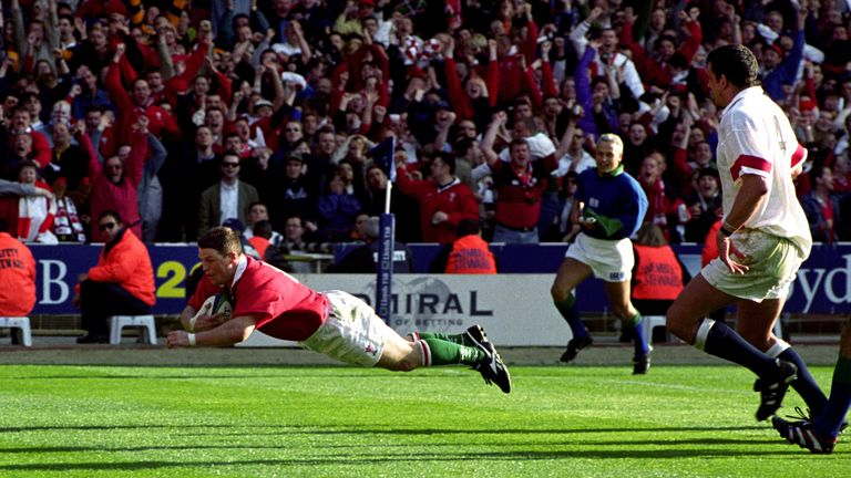 Wales' Scott Gibbs scores the  winning try at against England  at Wembley in 1999