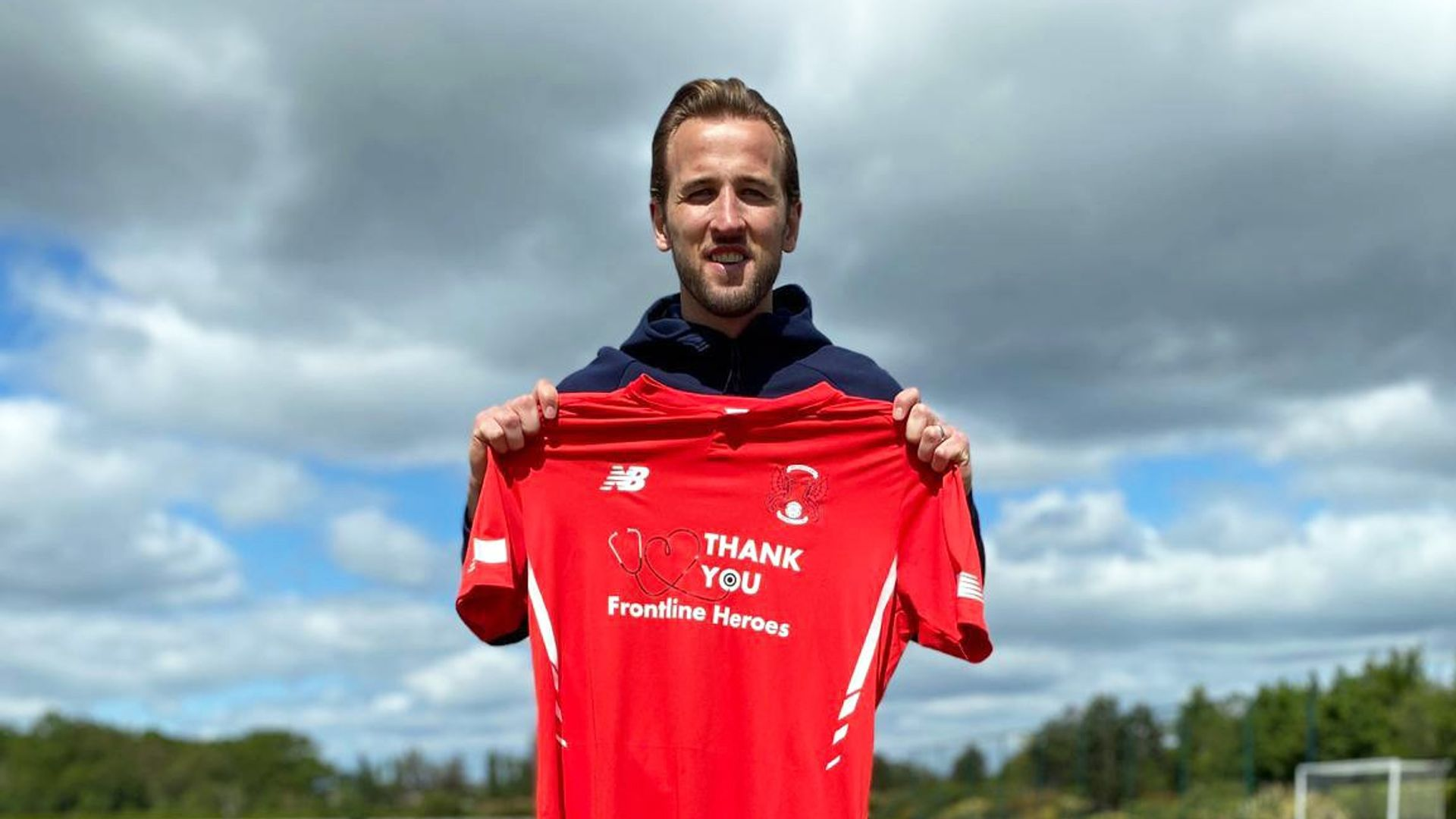 Kane to sponsor Orient shirts for charities