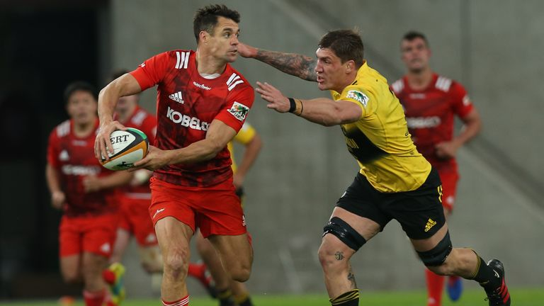 Carter in action for the  Kobelco Steelers