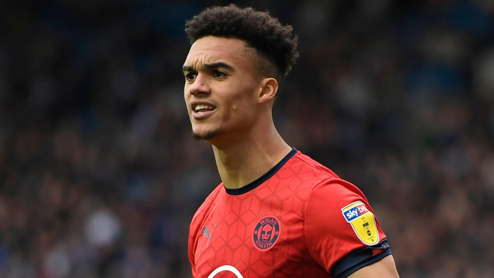 Sheffield United close in on Wigan's Antonee Robinson, four PL clubs want John Lundstram