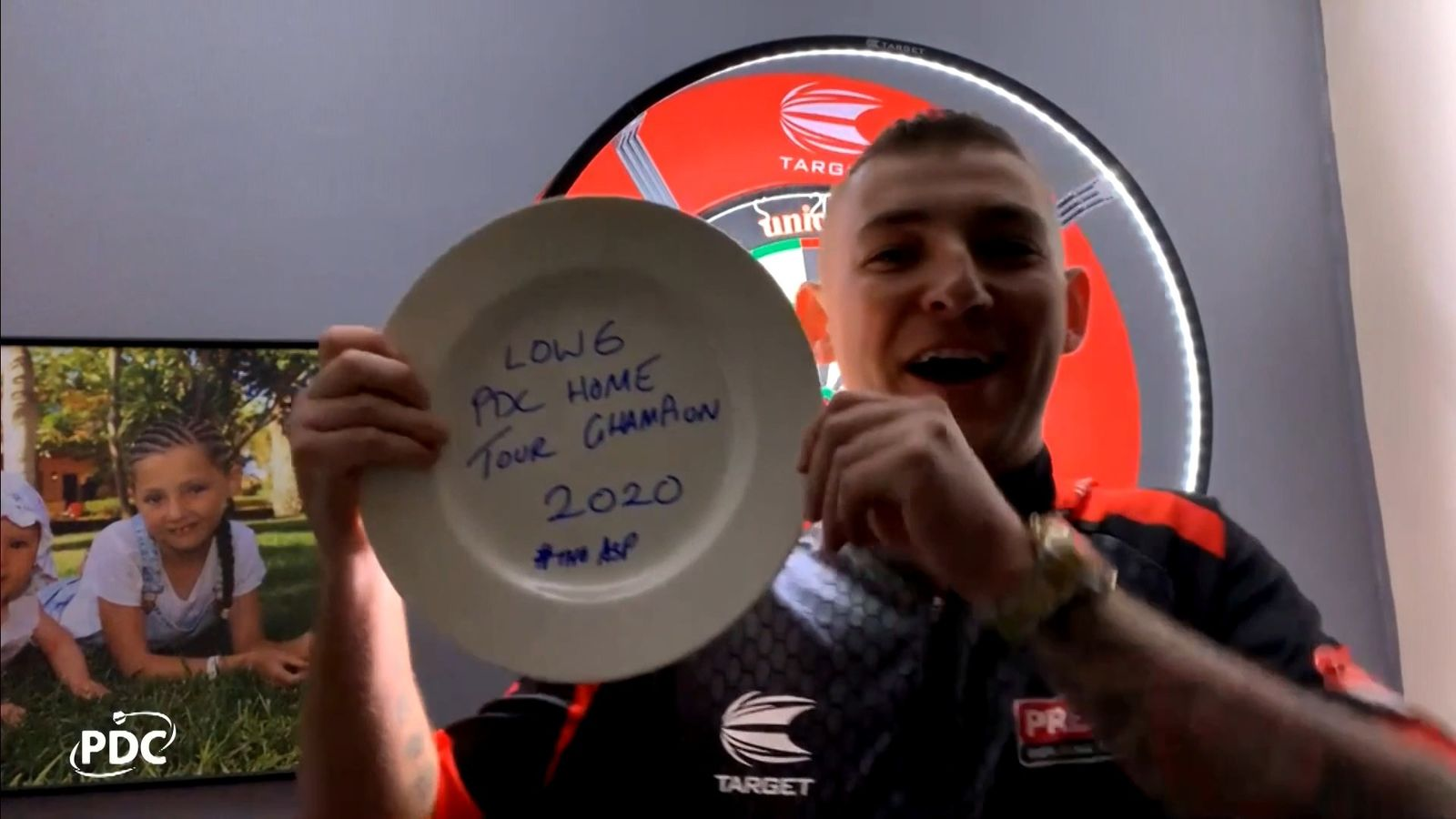 PDC Home Tour: Nathan Aspinall edges Gary Anderson to take title