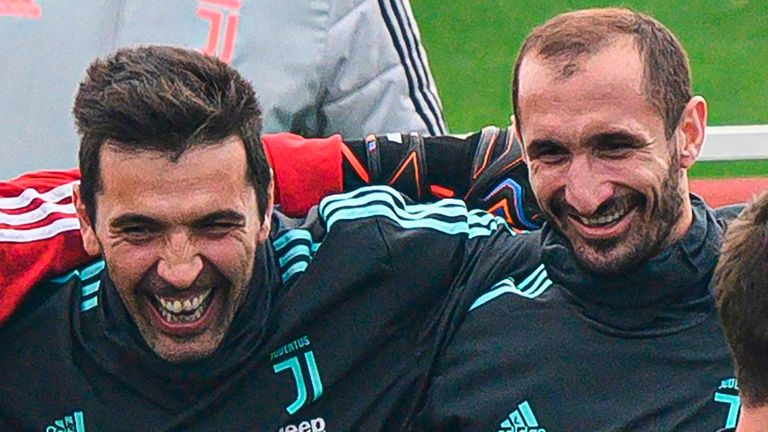 Juventus: Gianluigi Buffon and Giorgio Chiellini sign new one-year deals